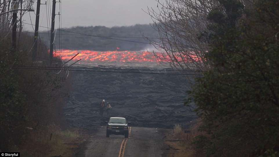 This fast moving lava was spotted pouring out of Fissure 8 at around 5pm on Friday, headed towards the ocean