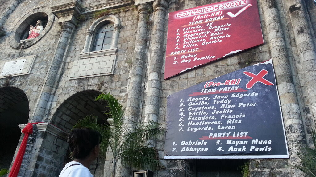 TOO MUCH. For the Bacolod diocese's critics, this is an example of a church that oversteps its boundaries and meddles in partisan politics. Photo by Charlie Saceda