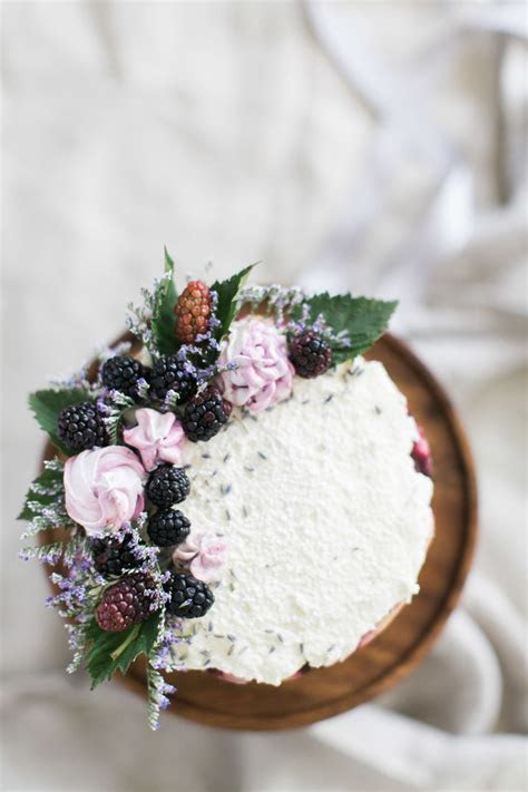 Best 25  Lavender cake ideas on Pinterest   Lemon lavender