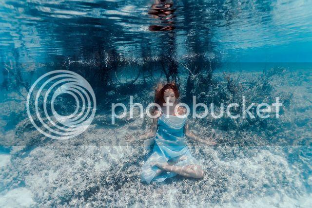 photo underwaterelenakalisd_zpsfe5f55b9.jpg
