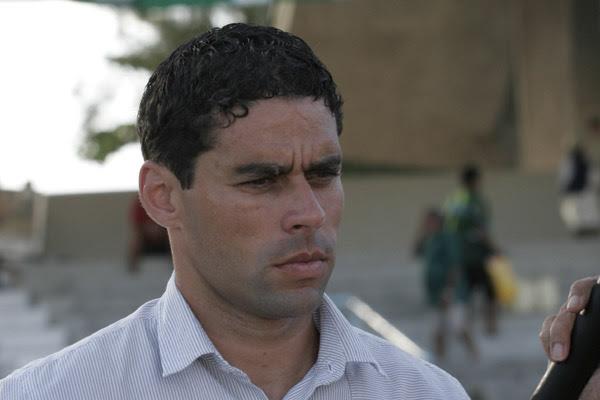 Leandro Sena é o quarto técnico a comandar o América nesta Série B do Campeonato Brasileiro