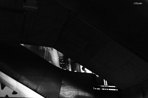 Punto de luz en el metro by Alejandro Bonilla