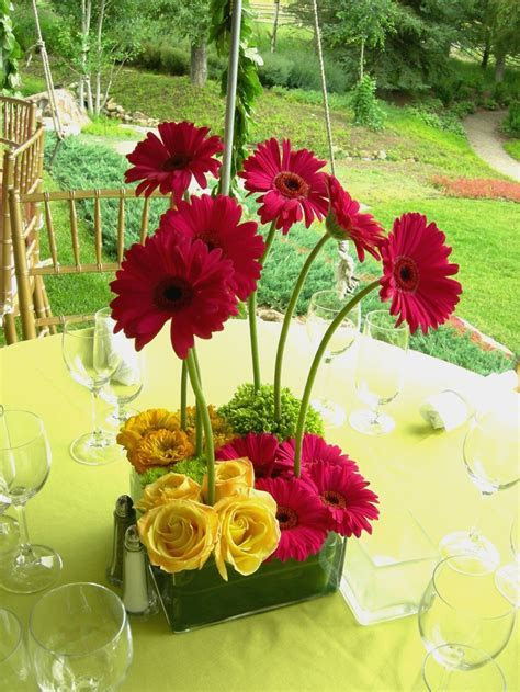 1000  images about Gerber Daisy Arrangements on Pinterest