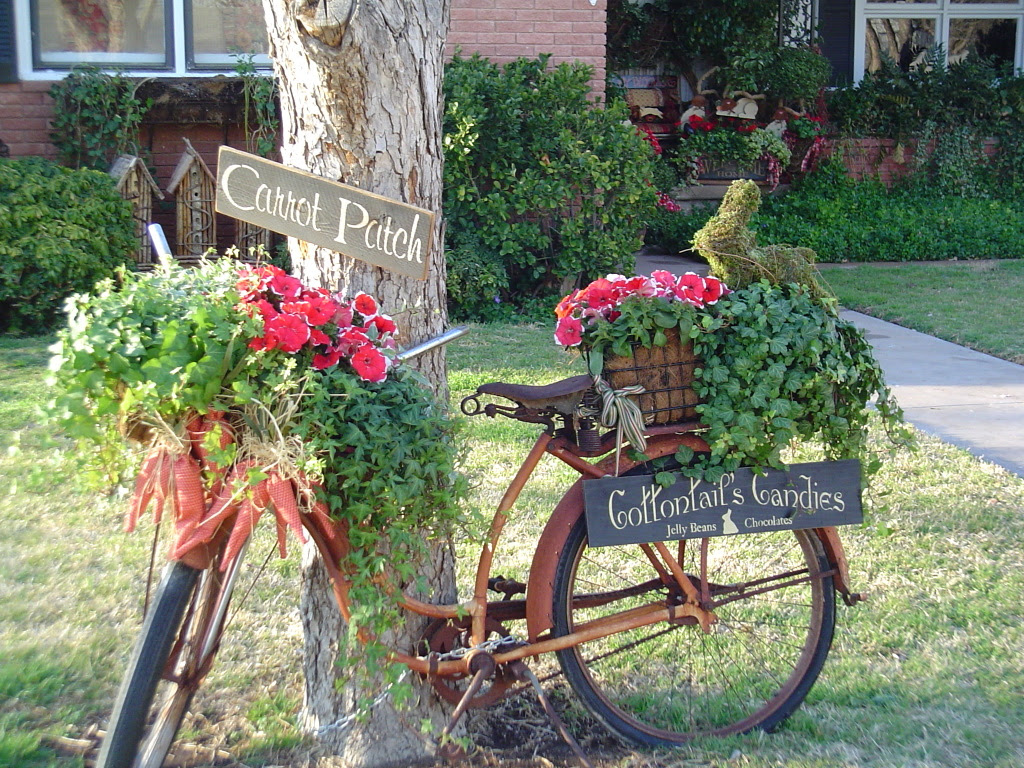 Old Bicycle Garden Decor | Briarpatchprim's Weblog