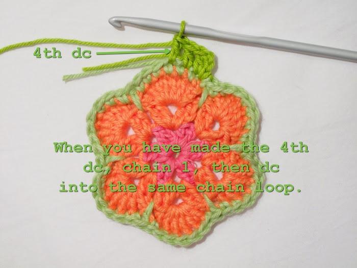 Цветочный фрагмент крючком АФРИКАНСКИЙ ЦВЕТОК для вязания игрушек (61) (700x525, 219Kb)