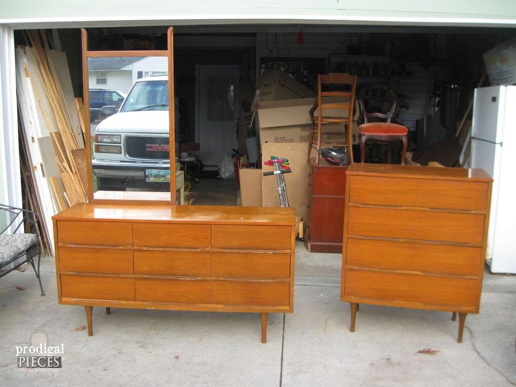 mid century modern bedroom dresser