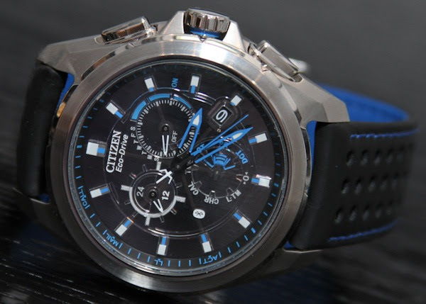 Citizen EcoDrive Proximity watch notifies iPhone owners without betraying their nerd status