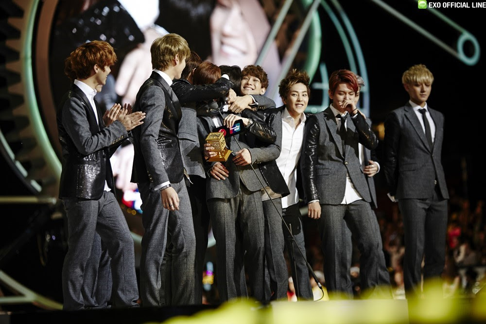 Image result for exo receiving awards