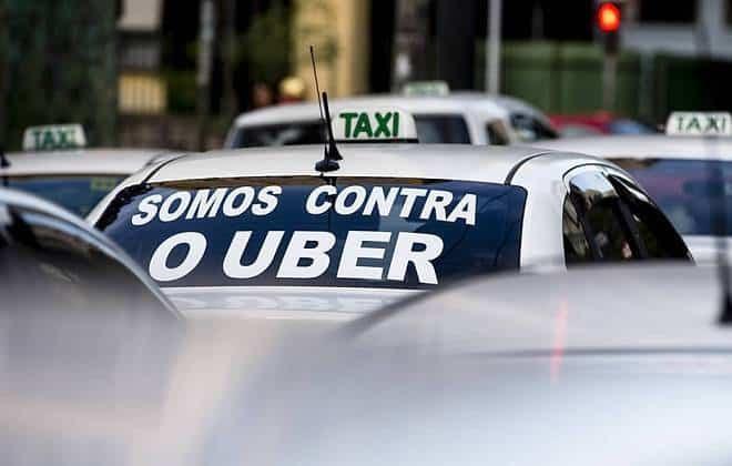 Sindicado dos táxis de SP decrara guerra contra o Uber