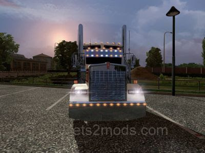 2014-11-01-Kenworth-W900L-1-5-Dove-2s