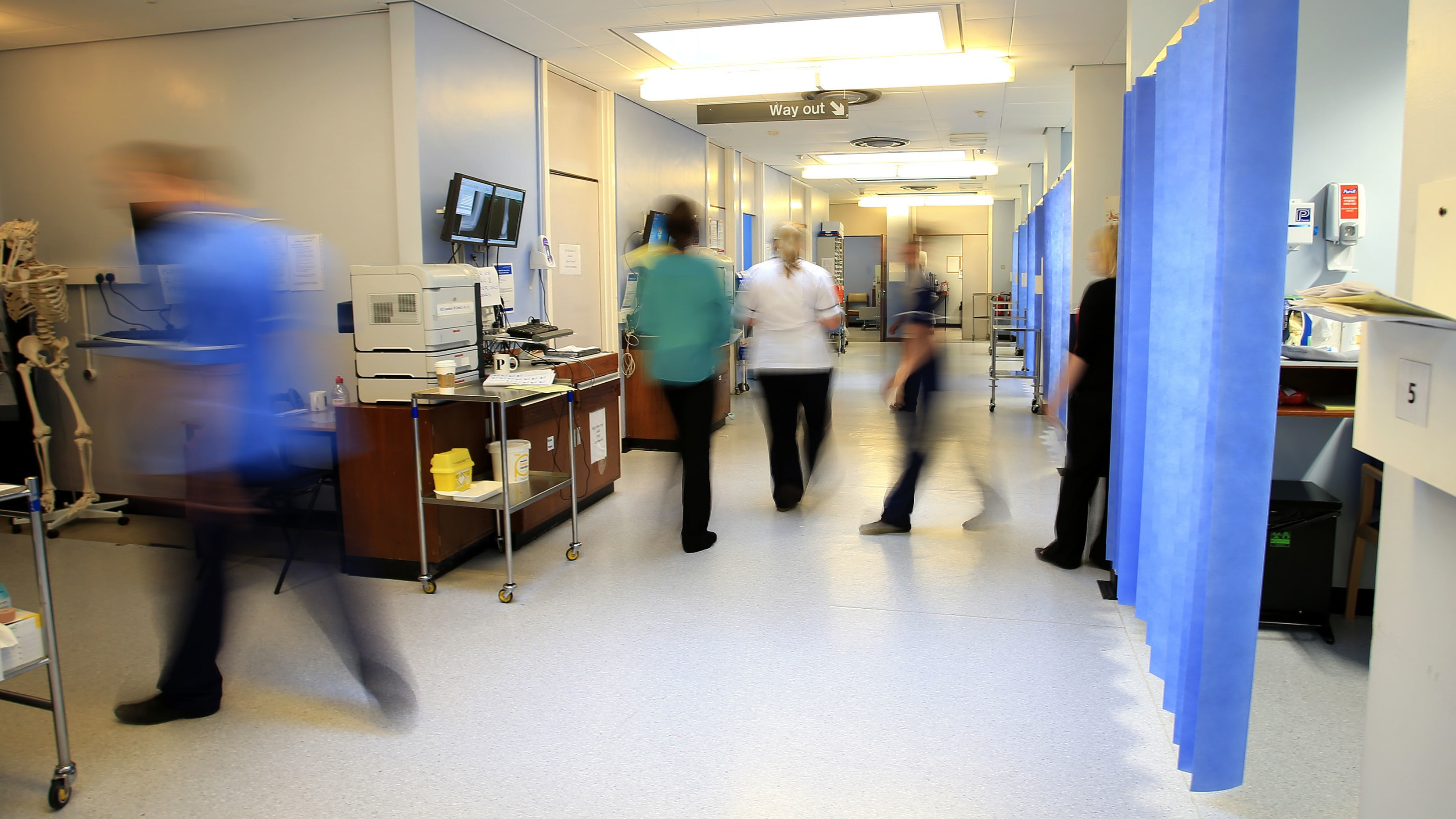 Record 4.5 million on hospital waiting lists as impact of Covid hits home   ITV News