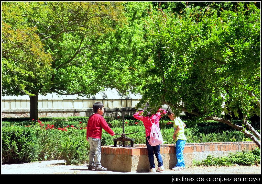 jardines de Aranjuez en mayo y río Tajo
