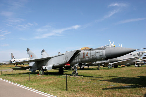 Mikoyan-Gurevich MiG-25PD 04 red