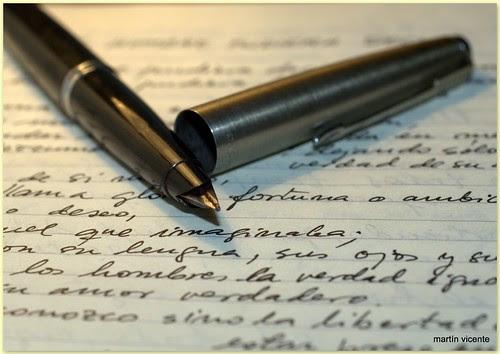 pluma, papel y escritura