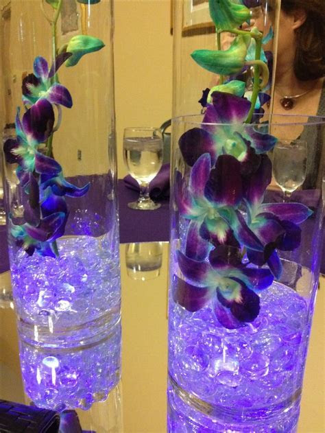 glowing purple centerpieces   Loved These Glowing Purple