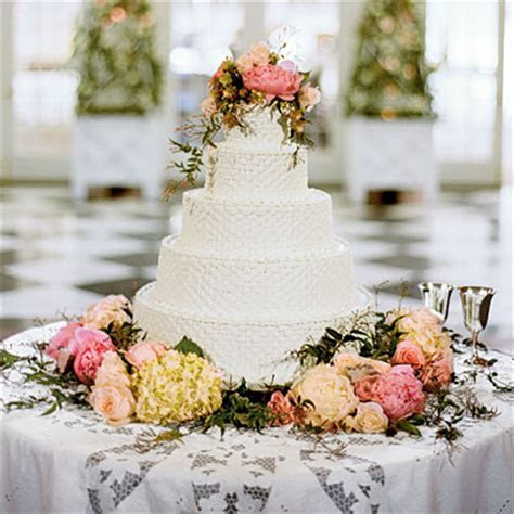Basketweave Pattern Wedding Cake Pictures, Photos, and