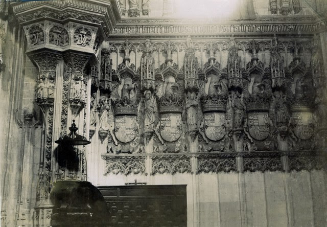 Interior de San Juan de los Reyes en junio de 1905. Fotógrafo anónimo. Colección Luis Alba. Ayuntamiento de Toledo