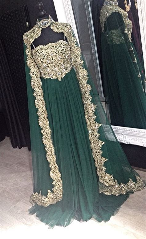 Best 25  Arabic Dress ideas only on Pinterest   Cocktail