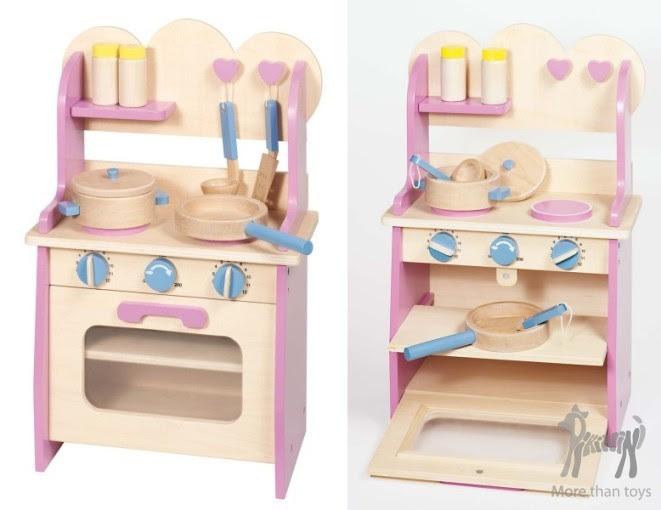 Drewniana Kuchnia Z Naczyniami W Dziecko Gotuje Zabawa W Gotowanie