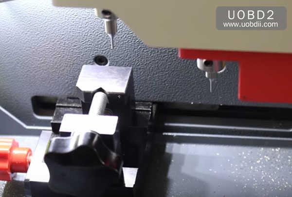 трубчато-копировально-фрезерный-втор-e9 ключ-машина 10
