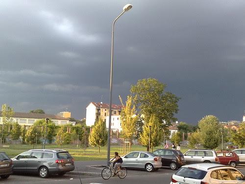 Il sole sotto le nuvole by durishti