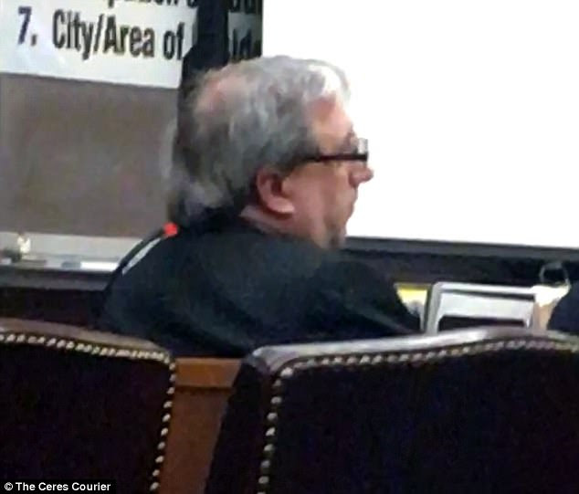Mesiti được mô tả ở trên tòa án hồi đầu tháng này.  Bằng cách kêu gọi tội lỗi đối với tất cả 49 cáo buộc chống lại ông, ông không còn phải đối mặt với án tử hình