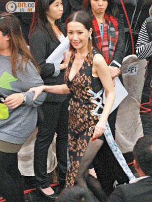 關心妍「胸」贏其他女歌手。