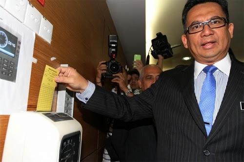 Istana tarik balik semua gelaran MB Terengganu?