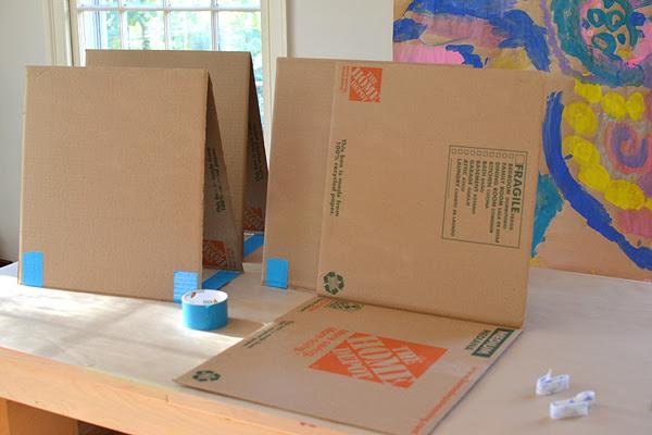 snelle en gemakkelijke manier om uw eigen tafel schildersezel met kartonnen maken