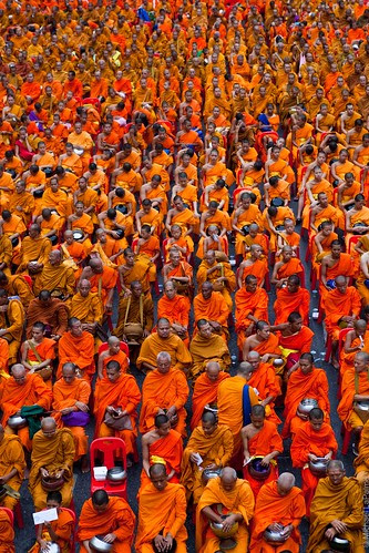 Mass Alms for 22, 600 Monks