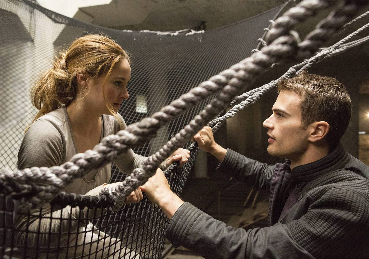 http://fandomnetnews.files.wordpress.com/2014/03/divergentstill14.jpg