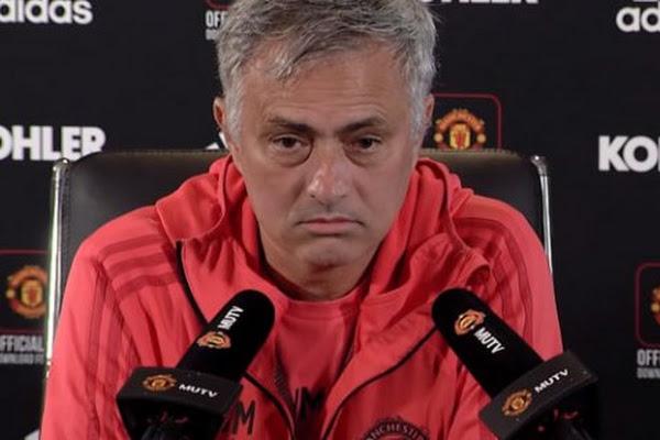 631cb8c8c0 Mourinho prvykrát prehovoril o odchode z Manchestru United. Portugalský  futbalový tréner ...