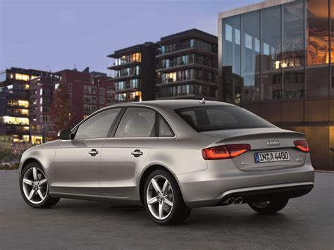 A4 Sedan / B8 facelift / A4 / Audi / Base de données / Carlook