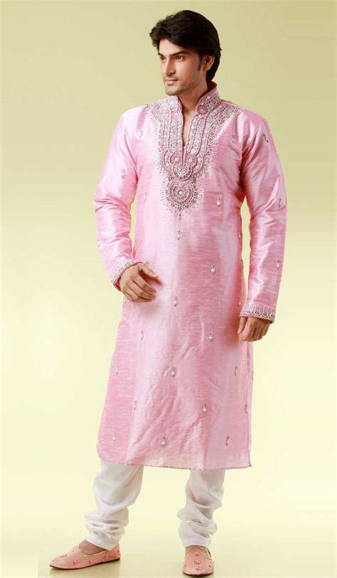 Stylish wedding Kurta Pajama #kurtapajama www.manawat.in