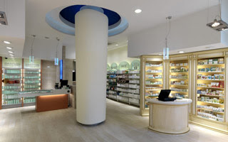 Pharmacy interior design Sartoretto Verna - 6 series of patented