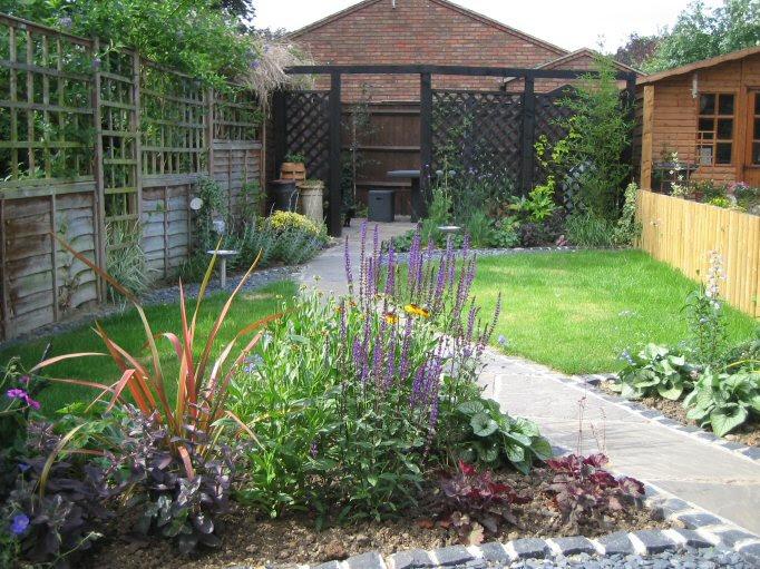 Garden design ideas long narrow gardens | Hawk Haven