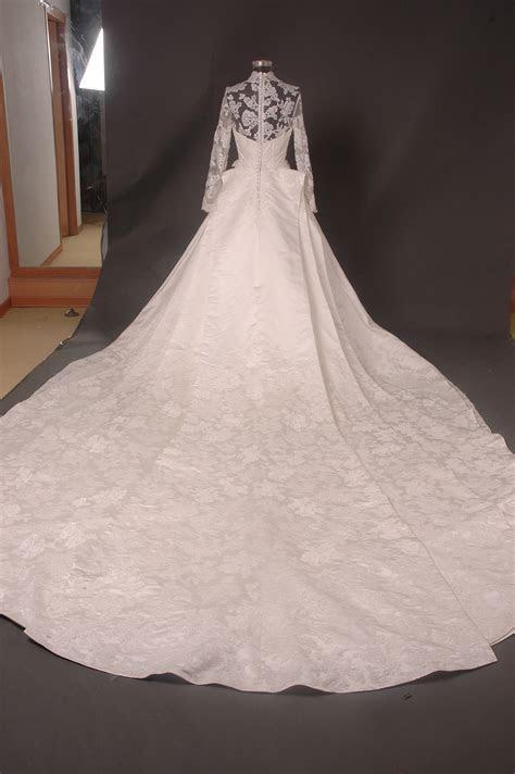wedding dress of Kate Middleton   Wikidata