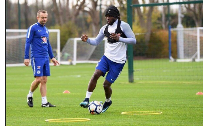 Premier League: Victor Moses returns to training