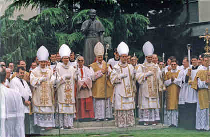 Consecrations of 1988. Group photo