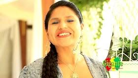Las cholitas cochalas se muestran al mundo con la comida y el glamour