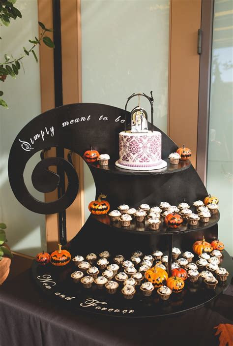#fallwedding #thenightmarebeforechristmas @rachelzee the