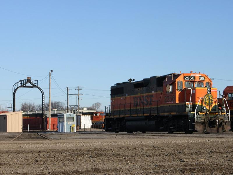 BNSF 2256 in Grand Forks