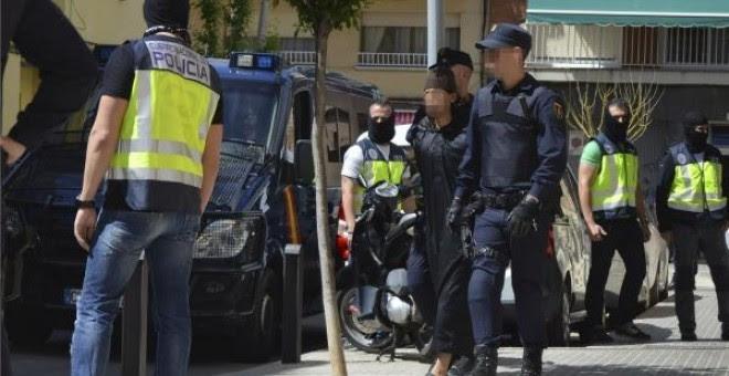 La Policía detiene en Murcia a dos prostitutas que captaban a jóvenes para ejercer la prostitución. Foto archivo EFE