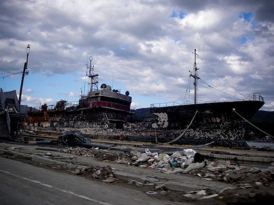 20050103-IMGP0051Ship_burned_out