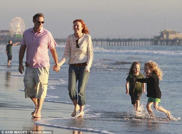 Marcia, retratado no início deste mês com o marido Tom Mahoney e filhas gêmeas Eden e Savannah
