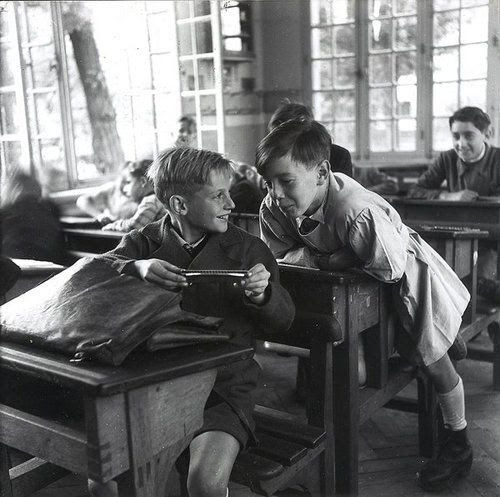 The harmonica  Circa 1940  Robert Doisneau