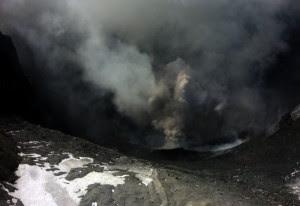Panache de cendres du volcan Copahue