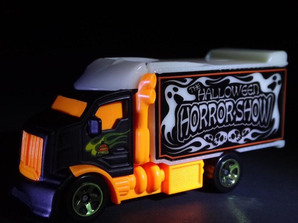2013 Halloween Hot Wheels exclusive Hiway Hauler Halloween Horrorshow