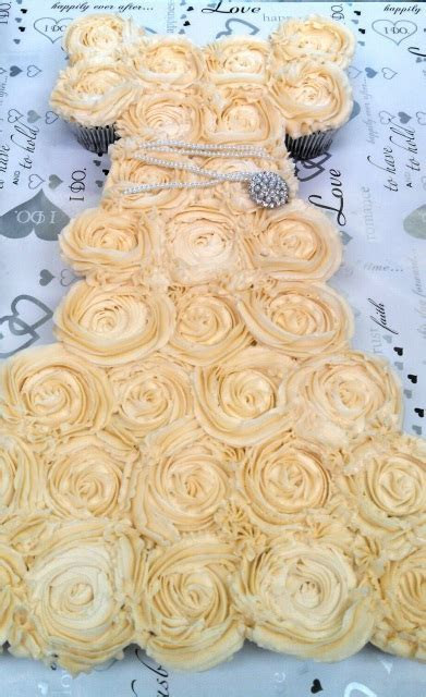 Online bakery products including cupcakes, cakes, cake
