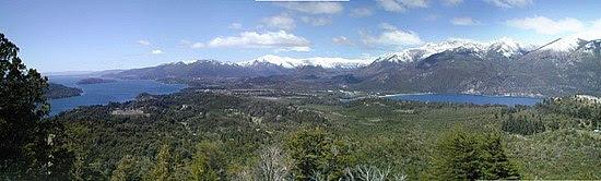 Veduta dil lago Nahuel Huapi fino a San Carlos de Bariloche in state.
